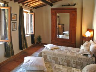 Casa Nonna Afra on Lucca hills with stunning view, Pescaglia