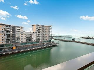 6504 Absolute Waterfront Harbour-View Apartment, Darwin