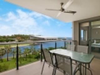 307 Absolute Waterfront Harbour View Apartment, Darwin
