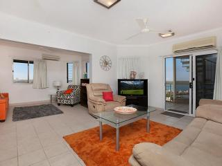 Central Grand Rooftop 2 Bedroom Apartment, Darwin