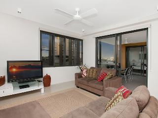 5102 Absolute Waterfront Harbour-View Apartment, Darwin