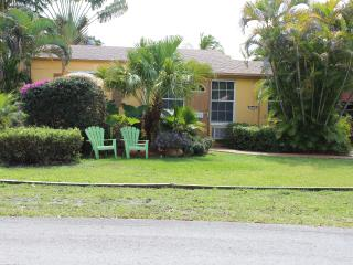 Large Apartment for rent in Hollywood FL