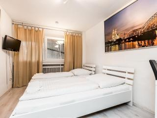 30 apartment in cologne with two rooms, Colonia