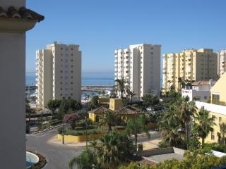 3 bedroom apartment by the port in Estepona