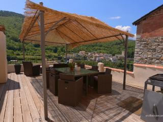 Sundrenched Apartment in the Relais de Serdinya, Prades
