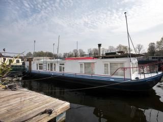BnB Houseboat Southern Comfort, shared with owner, Amsterdam