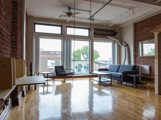 Huge, Sunny Loft on the Main, Montreal