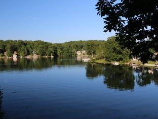 Lake Front Home Newly remodeled 1 bedroom, Hopatcong