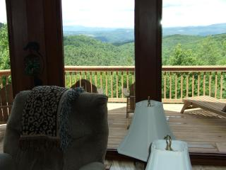 CATS PAUSE- 2 Kings 1Queen- Huge Views Easy Access, Boone