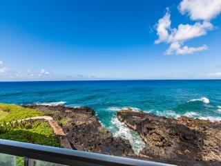 Poipu Shores 207A-Awesome 2bd/sleeps 6 Ocean Front condo with gorgeous ocean views. Ocean front heated pool. Free car**
