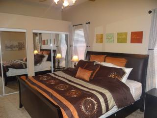 Awesome 2 bed Vegas Condo, Henderson