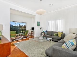 DP003 - Luxurious, modern and stylish 2 bedroom, Sydney