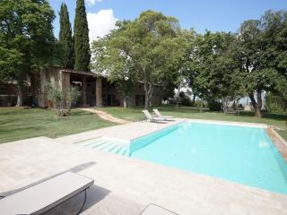 Big garden,own pool and wheelchairfriendly, pets, Oliveto