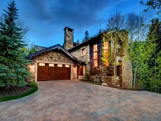 Fabulous 4 Bedroom Ski-in/Ski-out Home in Beaver Creek with Great Access to Everything!