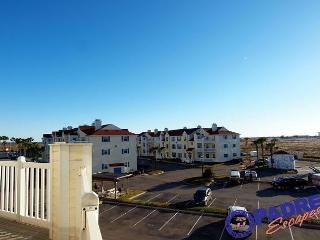 Going Coastal is a recently renovated 2/2 Condo close to the Beach!, Corpus Christi