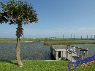 Recently remodeled condo close to the beach with lots of amenities., Corpus Christi