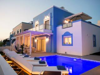 Holiday villa beachfront with swimming pool, Kos Town