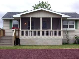 Cozy 3 BR Cottage Pets Welcome 123532, Cape May