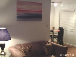 Condo Redecorated Just 1 block to Beach SALE!, Virginia Beach