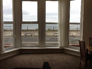 Whitley Bay 2 Bed  FANTASTIC SEA VIEWS