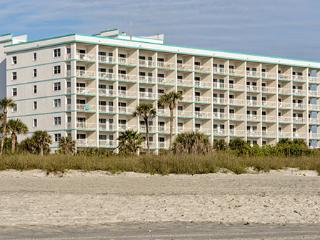 Ideal Location! 2 Bedroom Condo on Cocoa Beach