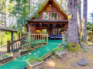 Tall Pines Log Cabin, Florence