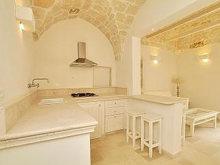 The Owl House, Ostuni