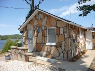 Guest Cabins on Lovely Lake of The Ozarks, Camdenton