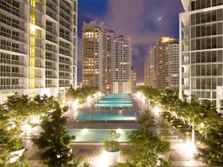 1/1 in luxurious Icon-Viceroy in Downtown Brickell!! beautiful bay and pool views!, Miami