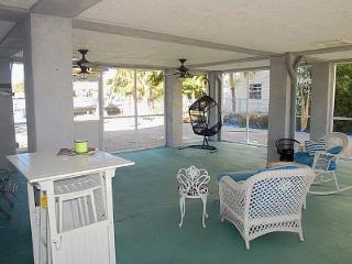 Key Largo Luxury Vacation Home w/ Dock and Ocean Access !!