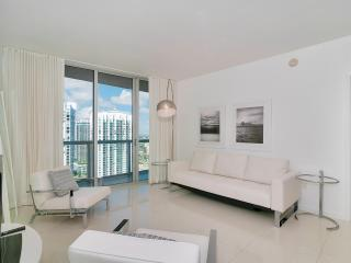 ICON-VICEROY 1/1 in heart of Brickell w/ City Views!!, Miami