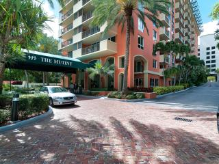 Spacious 2/2 w/ Spectacular bay view- The Mutiny Hotel Coconut Grove, Miami