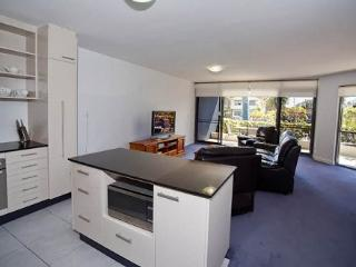 Apartment 101, Forster
