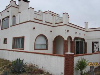 LA CUBANA 4 BED 2 BATH OCEAN FRONT, Ensenada