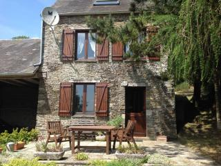 PRETTY STONE COTTAGE IN A STUNNING LOCATION, Thury-Harcourt