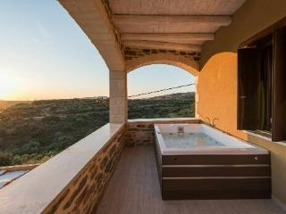 Lameriana Exclusive Luxury Suite with pr. jacuzzi, Panormos