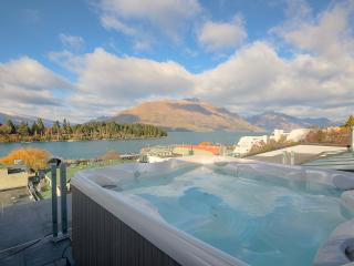 Shotover Penthouse and Spa, Queenstown