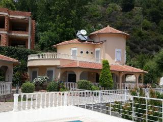 FOR RENT VİLLA SEA VİEW 3+1 SHAREİNG POOL, Alanya