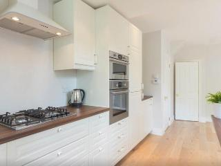 Stunning three double bedroom house, London