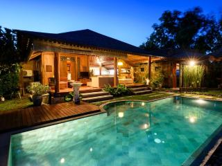Peaceful Seclusion in Canggu (2Br)