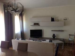 Nice place close to the Station and City Center!, Cassino