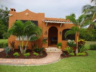 1923 Spanish Home close to Atlantic and Beach, Delray Beach