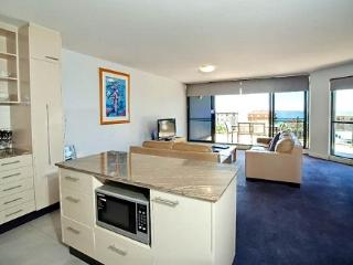 Apartment 501, Forster