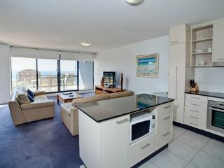 Apartment 504, Forster