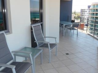 Apartment 801, Forster