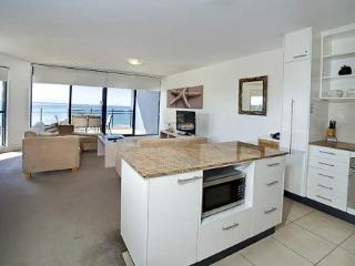 Apartment 904, Forster