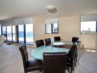 Penthouse Apartment, Forster