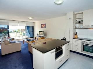 Apartment 404, Forster