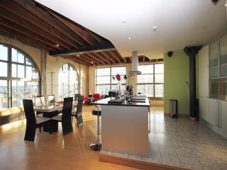 3 Bedroom Loft Style Penthouse - City Centre, Newcastle upon Tyne