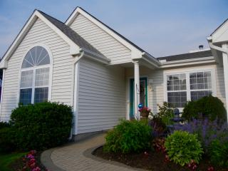 Bright, cheery contemporary ranch style home, Middletown